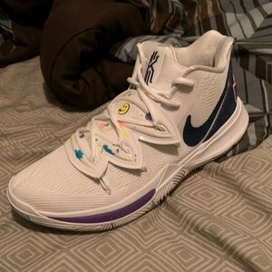 "Kyrie 5 ""Have a Nike Day"